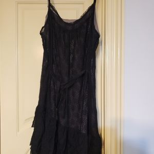 Lace dress with grey lining
